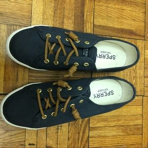 Sperry Top Sider Sneakers in Navy Size 8